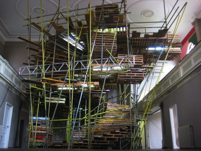 On Off, 2008, scaffold, pallets, 20 x turntables, on off timer, and lights, cm 1150x750x680
