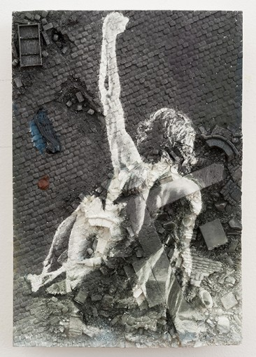 Figure in a Landscape I, 2014, oil on spray paint on resin, 17,8 x 26 x 2,5 cm