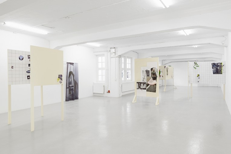 SALOPP GESAGT SCHLAPP, 2014, installation view at Künstlerhaus Bremen, Germany, photo credit: Tobias Hübel