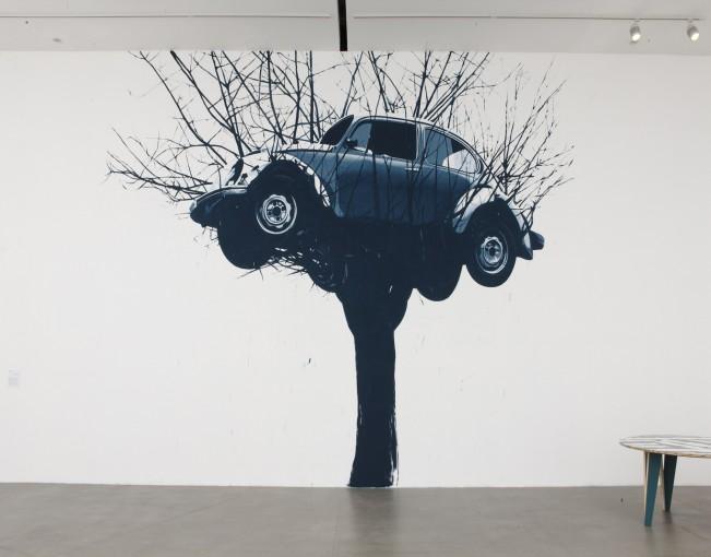 Collapse, 2010, wall drawing; installation view at Fondazione Sandretto Re Rebaudengo, Turin