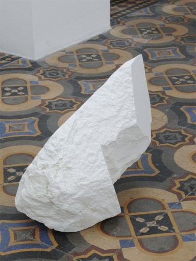 T-Shirt Chest Collar, 2011, chalk (50 x 20 x 30 cm); installation view at Tulips & Roses, Brussels, detail