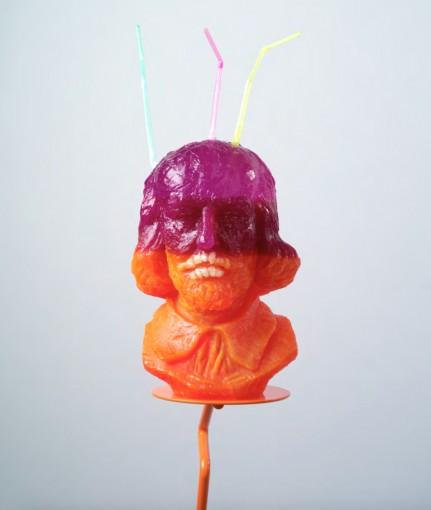 Purple-orange Shakespeare with Teeth, 2014, resin, drinking straws, false-teeth, painted steel, 78,7 x 139,7 x 58,4 cm (detail)