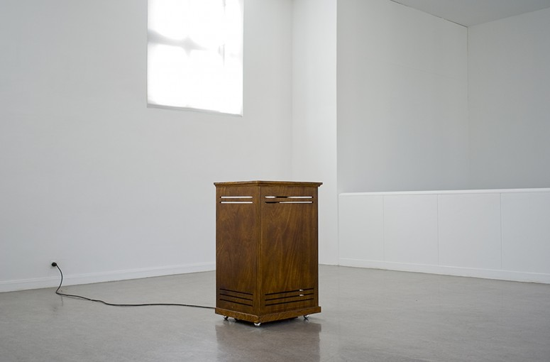 Doppler, 2009, cabine leslie, soundtrack, cd player, 107 x 67 x 54 cm