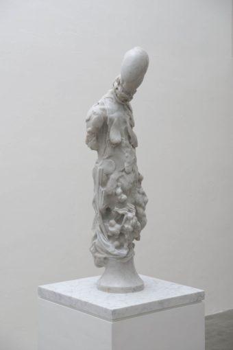 Nicola Samorì, Idolo anemico, 2016, white Carrara marble, 100 x 32 x 27 cm