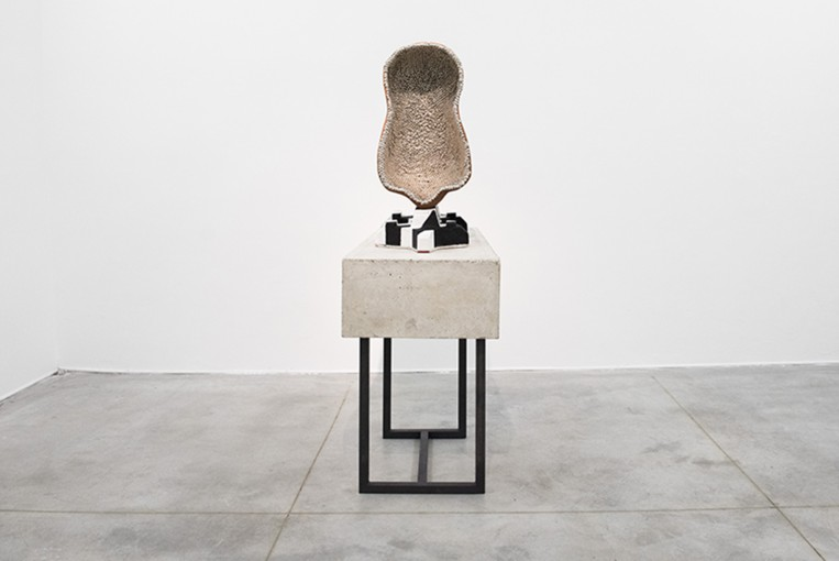 Benedikt Hipp, Console with pin-body mounted on repetition (pneumathologic studies), 2015, concrete, iron, loam, bullen-nails, epoxy, color, approx. 80 x 50 x 170 cm
