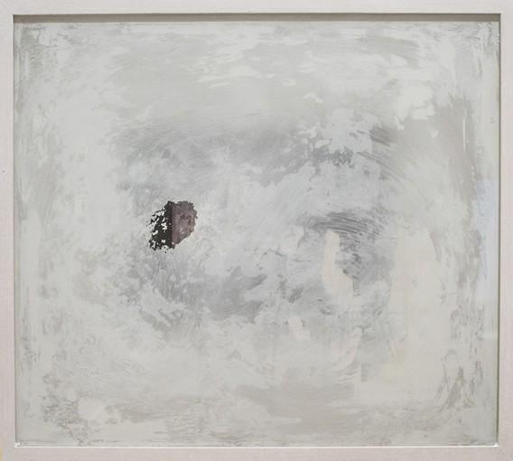 Archeologie senza restauro, 2014, print on plaster and paint on glass, 51 x 58 cm
